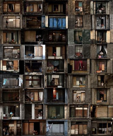 Julio Bittencourt-Numa Janela Do Edificio Prestes Maia-Sutil Violento