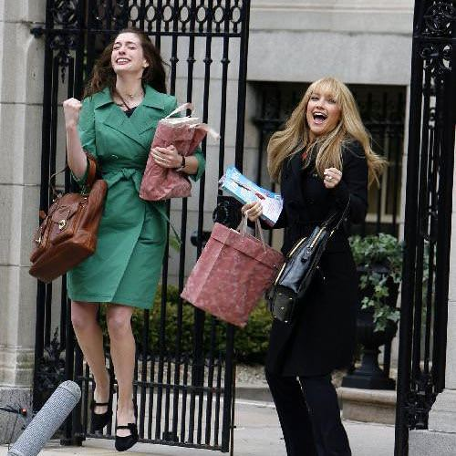 Kate-Hudson-And-Anne-Hathaw