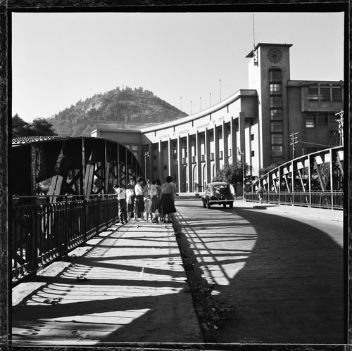 Q25.- Puente Pio Nono, Santiago. 1955