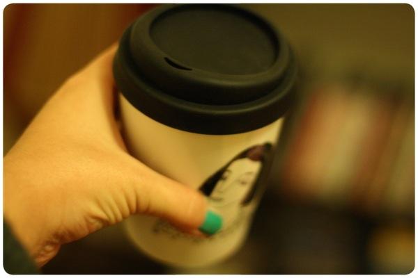 Mug de cerámica con tapa de silicona: ideal para llevar 1