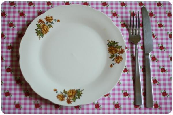 Comer con la mano o con cubiertos 1