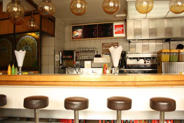 Pin descargar carta cafeter a on pinterest for Sillas para fuente de soda