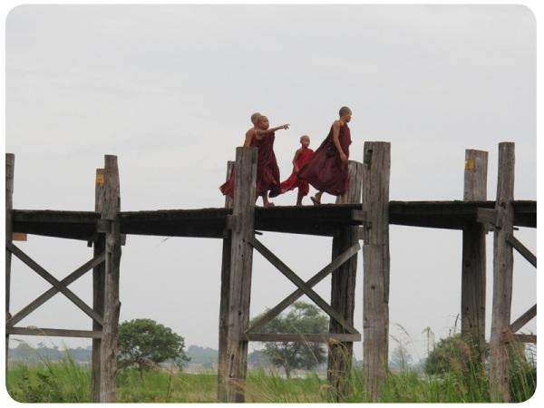 Álbum Zancada: monjes en Birmania 1