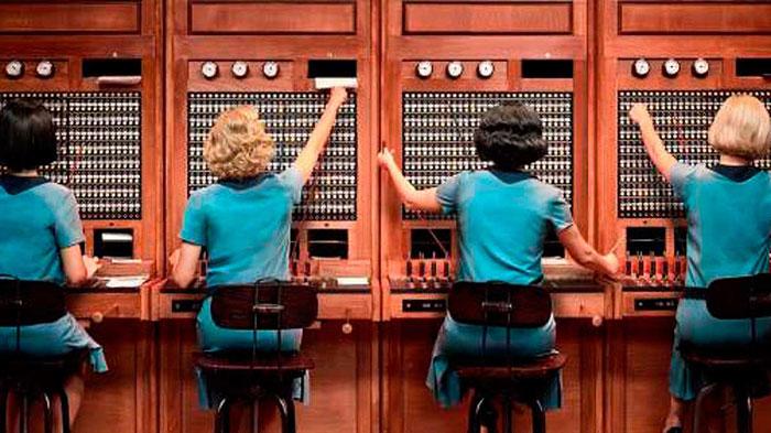 Mujeres abriendo caminos en la nueva serie de Netflix, Las chicas del cable 1