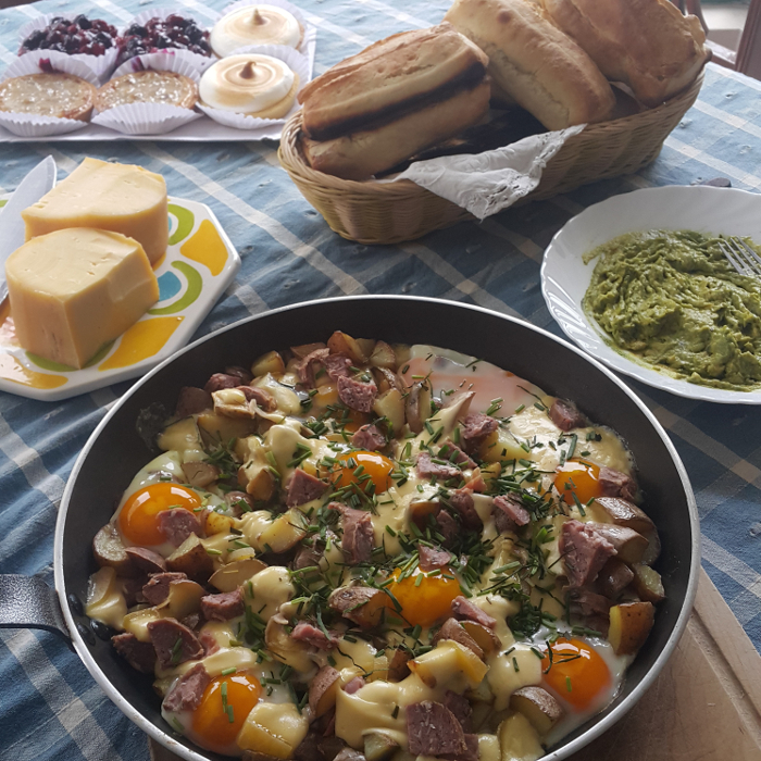 Receta para brunch: papas con tocino y huevos 1