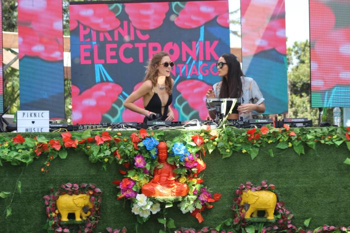 Una perfecta tarde de verano en La Espumantería de Piknic Électronik 2