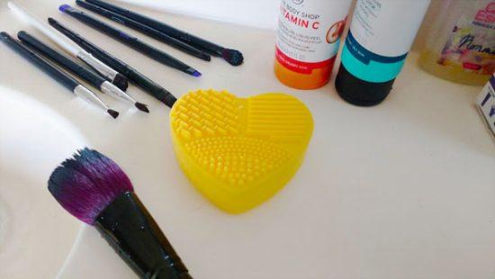 Cosmetiquero: el mejor limpiador de brochas 1
