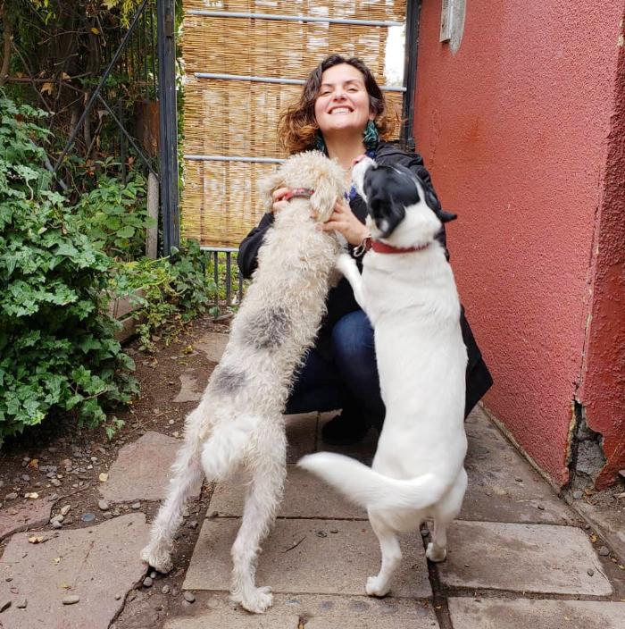 Mascotas & compañeras: Connie Achurra, Chía y Trufa 2