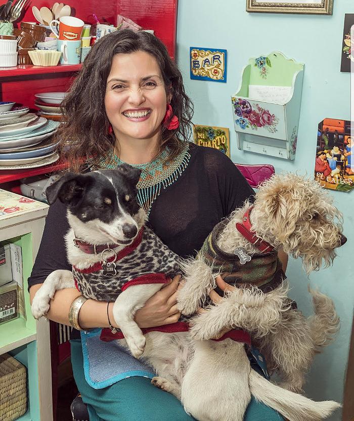 Mascotas & compañeras: Connie Achurra, Chía y Trufa 1