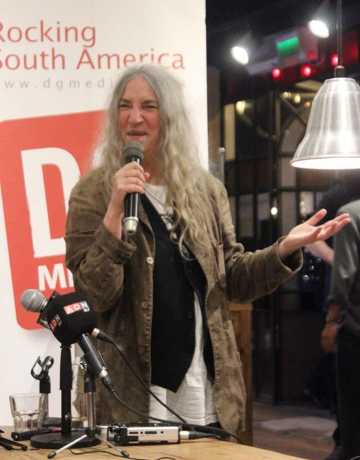La emocionante conferencia de prensa de Patti Smith en Chile 1