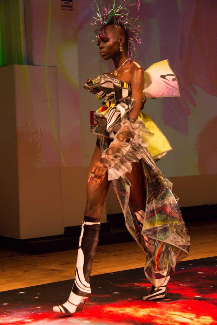Pasarela Epson: Tecnología, moda y astronomía se unieron en el Desfile Cosmos 2