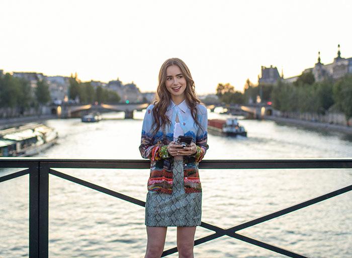 Emily in Paris, lo nuevo de Lily Collins en Netflix lleva el sello Darren Star 1