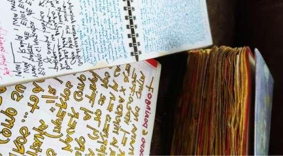 Diario de infancia de Bernardita Bravo con muchos colores y letras bonitas