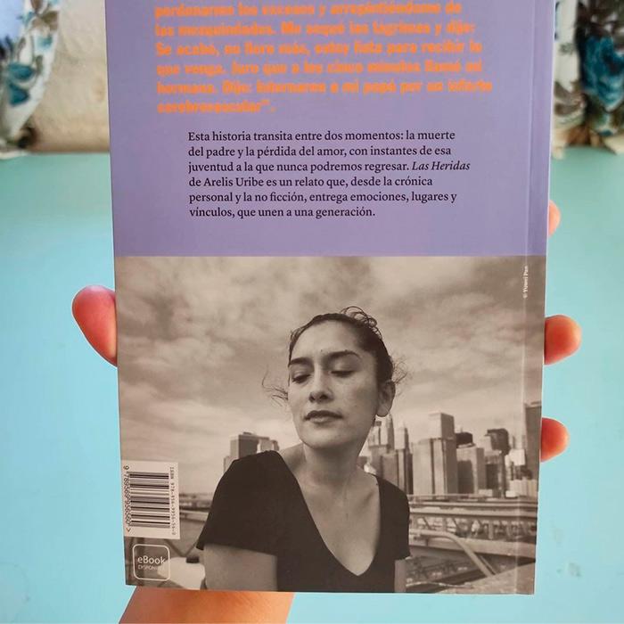 Arelis Uribe nuevo libro