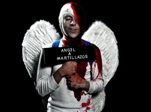 Ángel a Martillazos: el caso de los niños Rojo al teatro 1