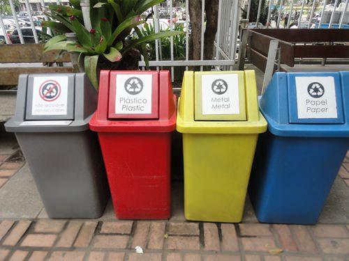 Más basureros 1
