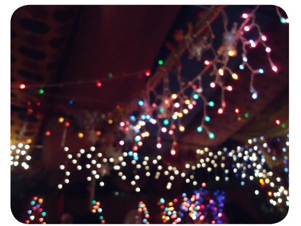 Decoraci n luces para fiestas zancada lo que conversas - Patio de luces decoracion ...