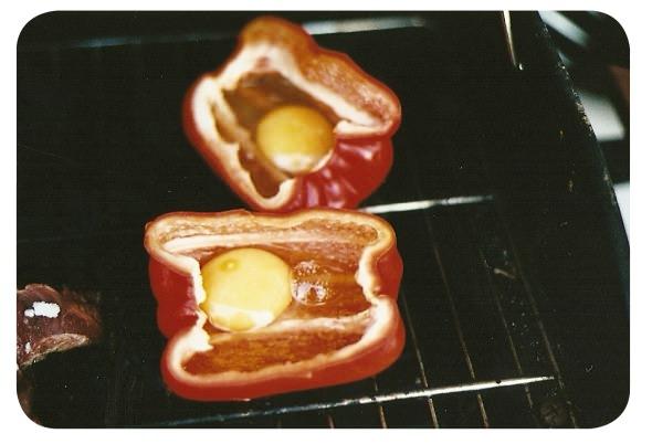 Pimentones con huevo a la parrilla 2