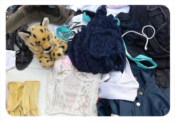 Panorama: Vender ropa usada en la Feria Libre de Peñalolén 1