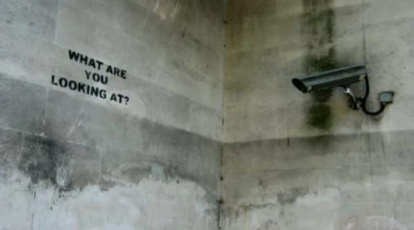 The Antics Roadshow, el activismo público según Banksy 1
